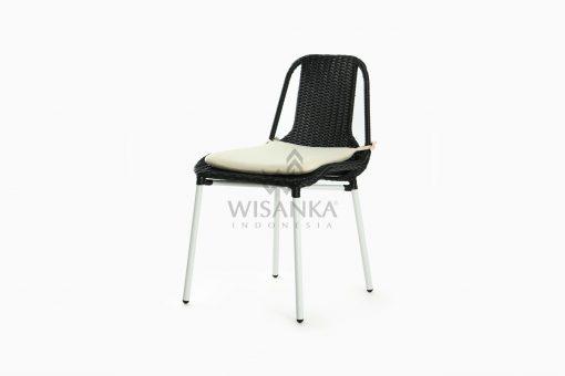 Millen Valensie Outdoor Rattan Chair perspective